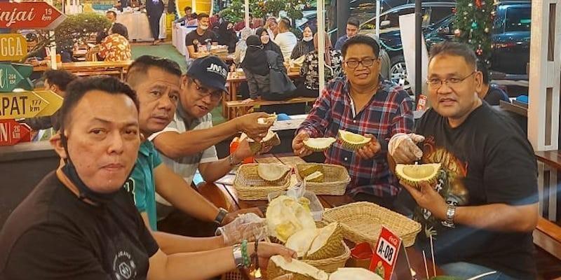 Menjajal Bolang Durian